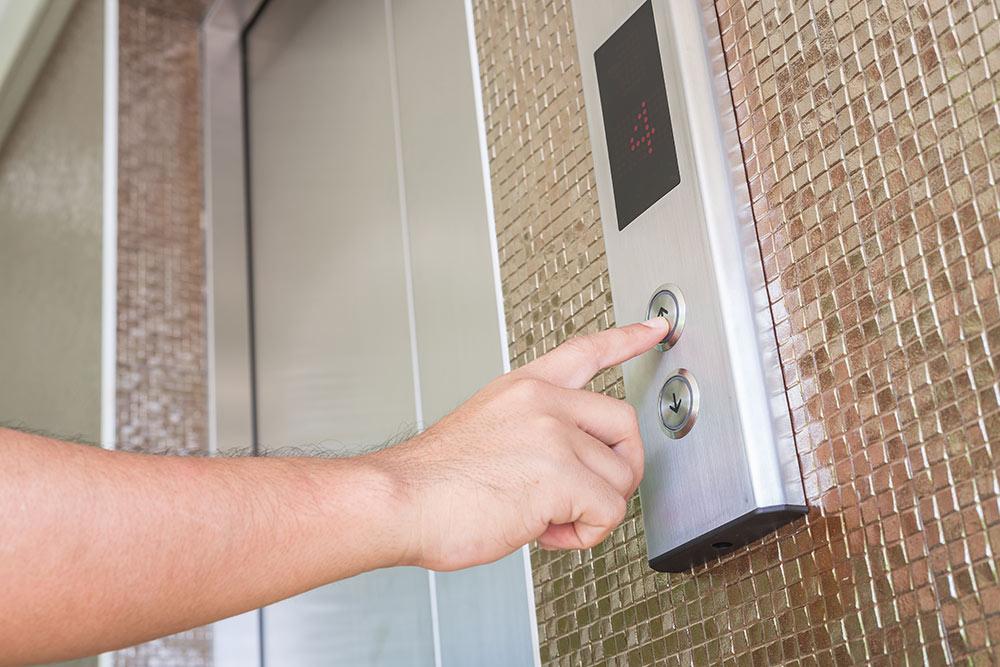 Instalación de ascensores en edificios antiguos | Proyecons