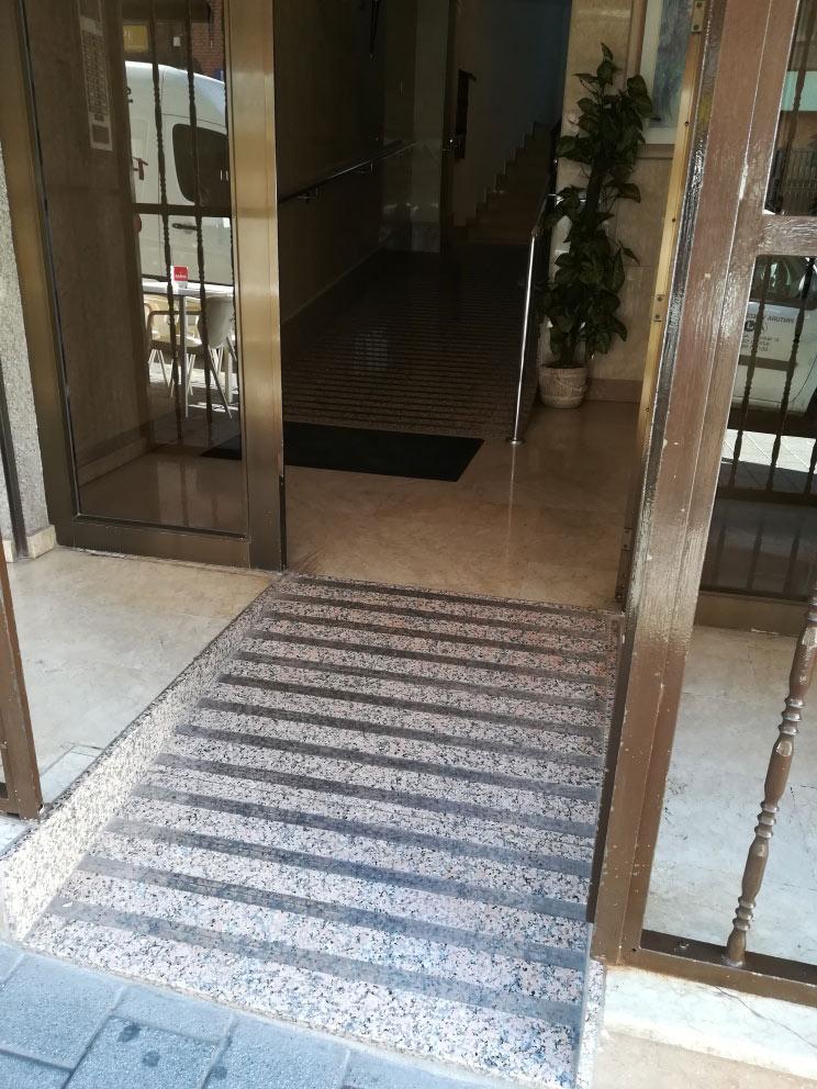 Pendiente rampa minusvalidos Albacete